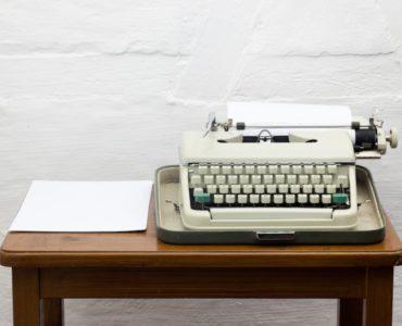 Mitteilung an Mieter: Verkauf des Mietobjekts + Kontakt zu neuem Eigentümer
